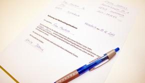 Ein fertiges Formular für Schule und Kindergarten, um Dein Kind vom Gottesdienst in der Kirche zu Weihnachten befreien zu lassen.