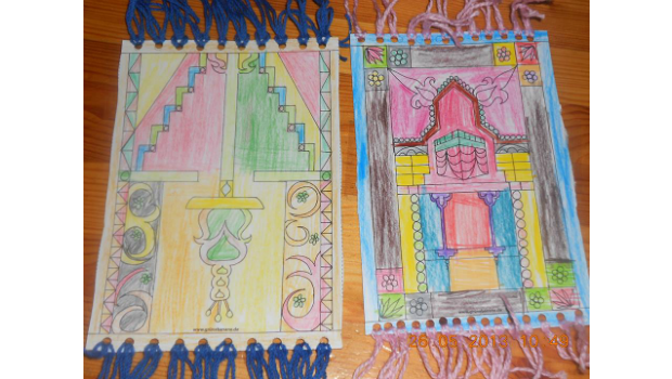 zwei kleine handgeknüpfte Teppichfransen-Teppiche von der Familie Canbulat