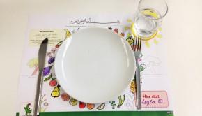 Mit einem Tischset und Bittgebet das gemeinsame Essen am Familientisch starten